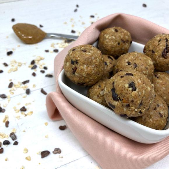 Choco Oatmeal Energy Balls