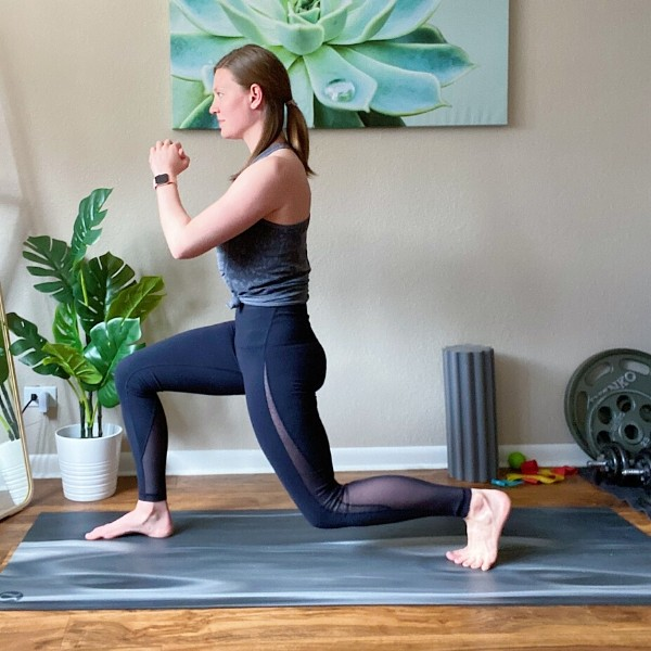 Alternating Reverse Lunge with Knee Lift Position 1