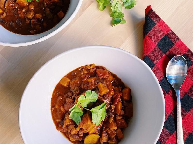 Sweet & Spicy Sweet Potato Chili (Slow Cooker Recipe)