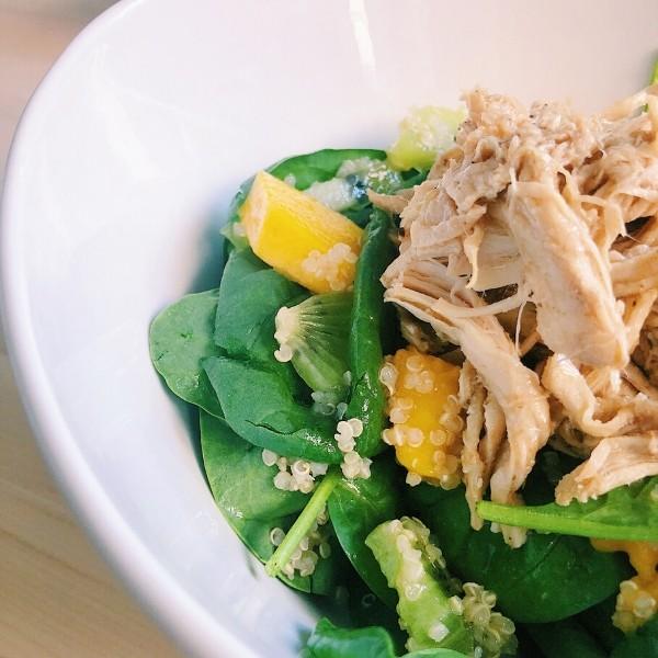 Mango Kiwi Salad with Shredded Chicken