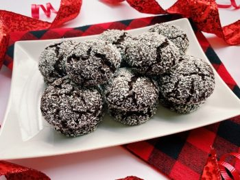Healthy Chocolate Crinkle Cookies